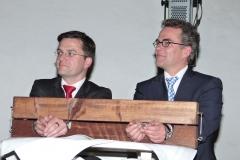 NRW-Justizminister Kutschaty (links) und Krefelds OB Kathstede im Pranger